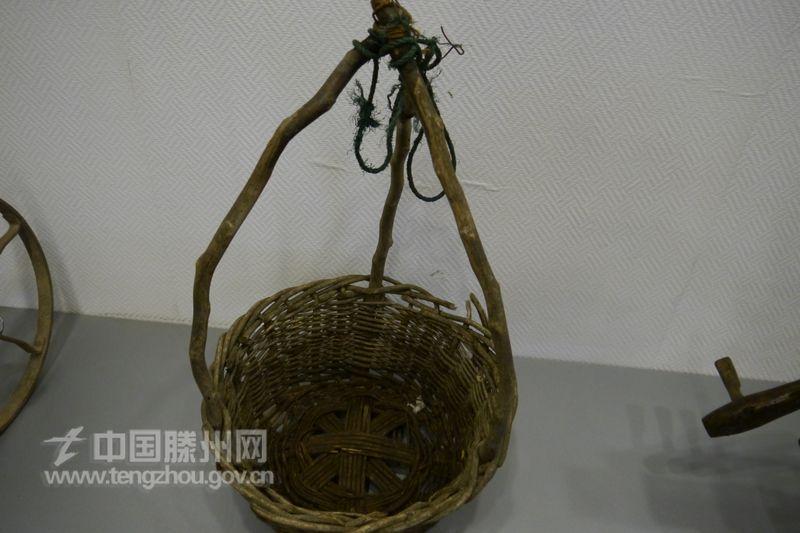 废旧矿泉水瓶手工制作农具