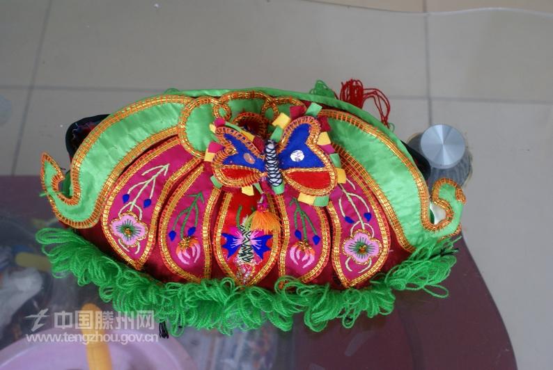 手工制作的莲花帽子